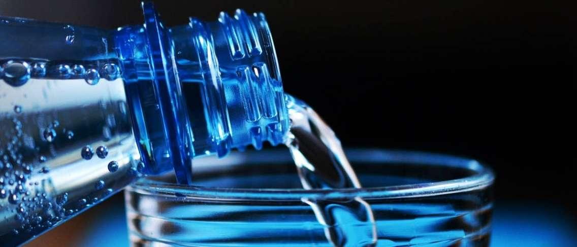 Jangan hanya membelinya, pelajari faedah dan risiko air alkali